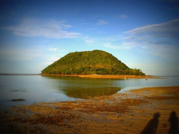Tumaquin Island